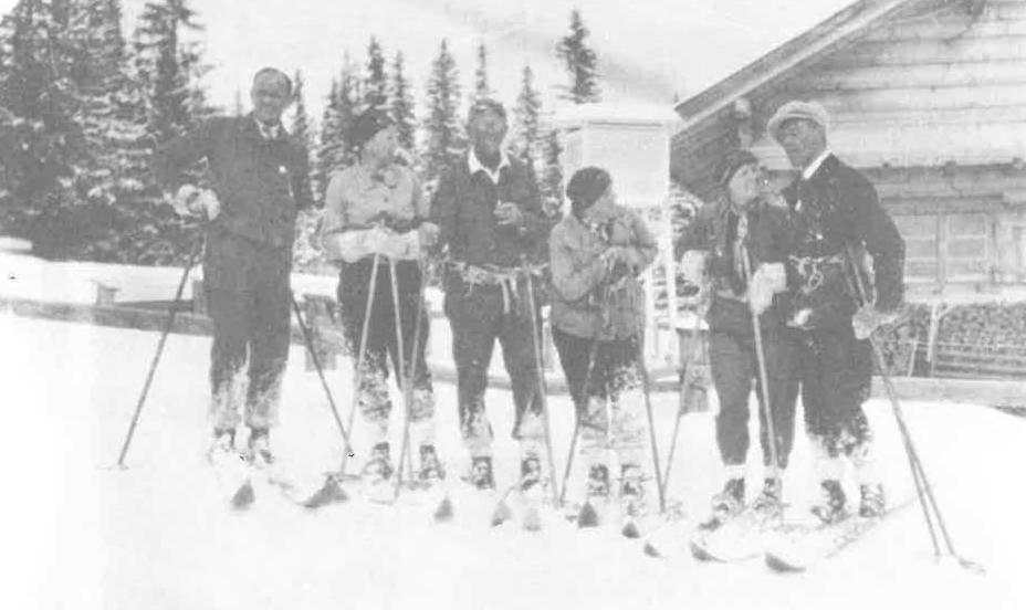 Skigruppe auf Tour - beim Observatorium Serfaus